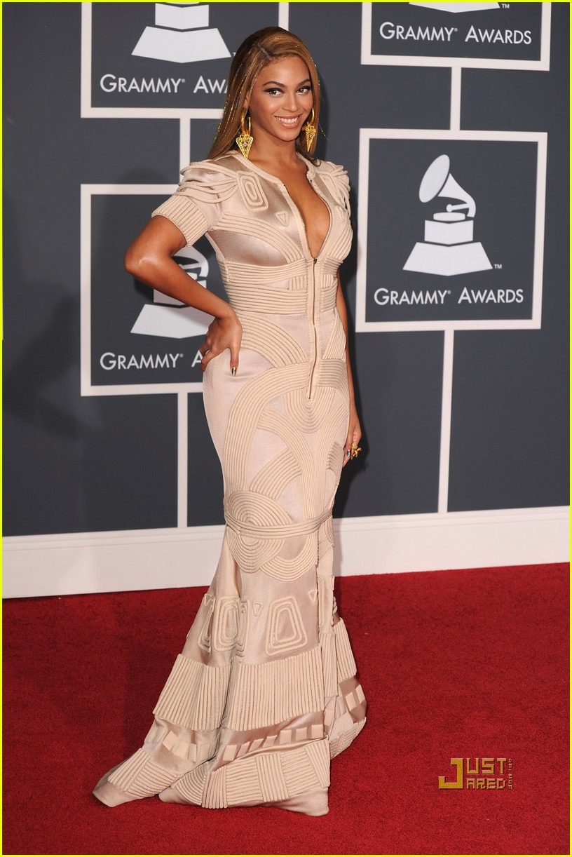 beyonce knowles grammy awards 2010 red carpet 052413047