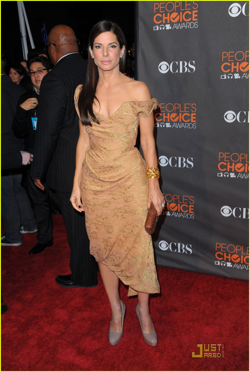 sandra bullock peoples choice 2010 11