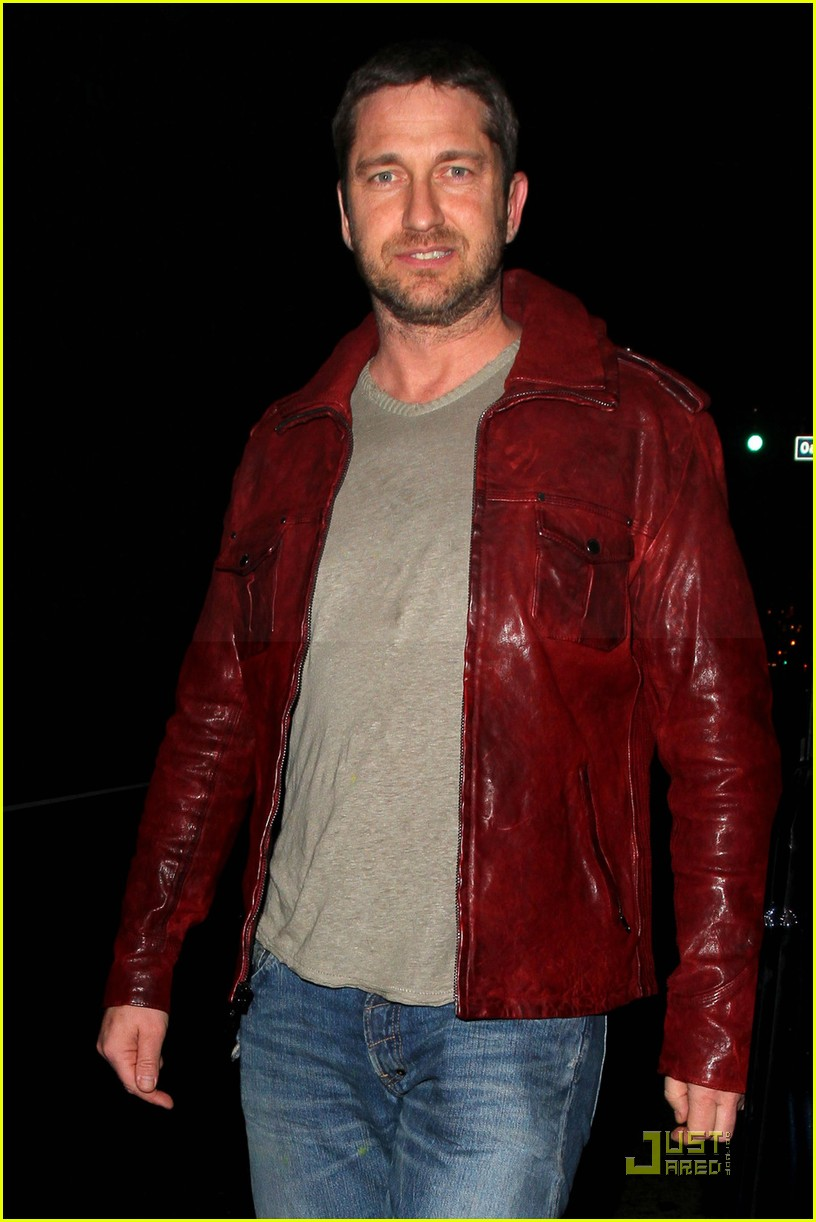 gerard butler cleared battery charges 022406927