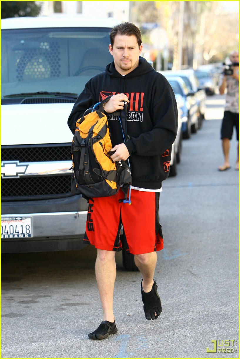 channing tatum workout gear five finger shoes 16