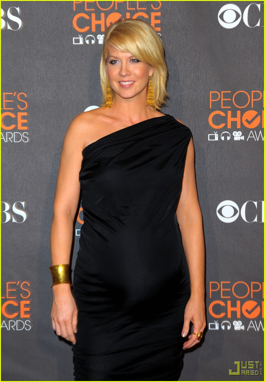 jenna elfman 2010 peoples choice awards red carpet 062406574