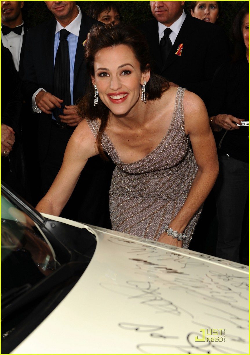 jennifer-garner-golden-globes-2010-02.jp