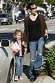 jennifer garner violet affleck hold hands 01