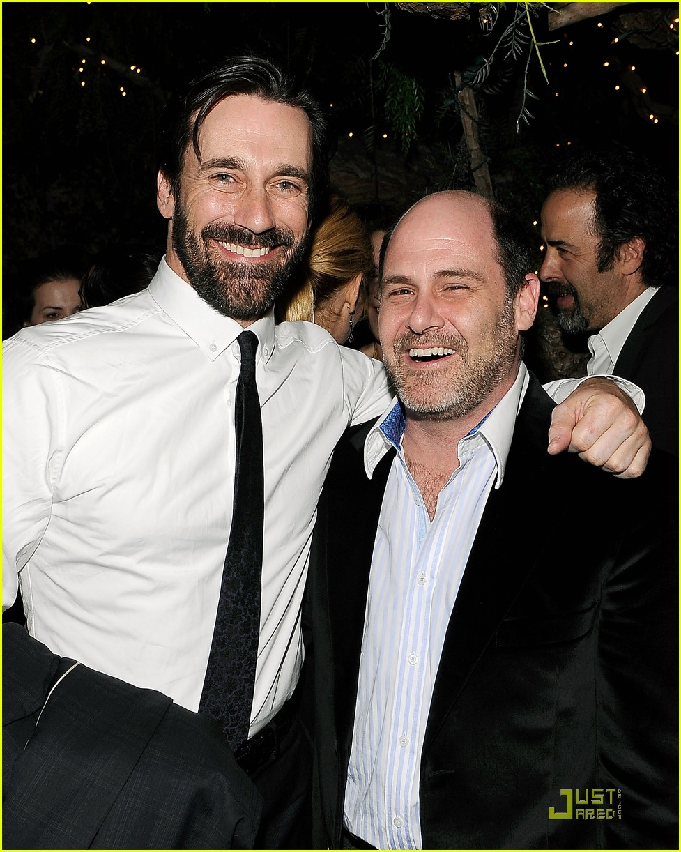 mad men wins top honors jon hamm still bearded 082409854