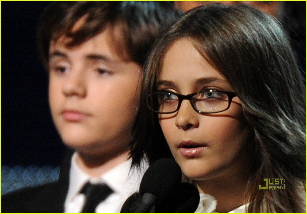 prince paris jackson 2010 grammy awards 01