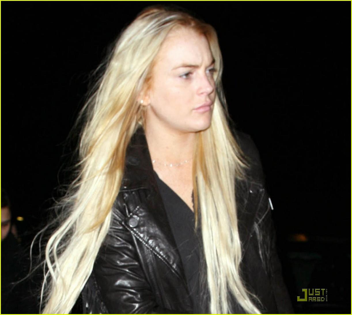 Full Sized Photo of lindsay lohan hair care stare 02 ... Lindsay Lohan 2017