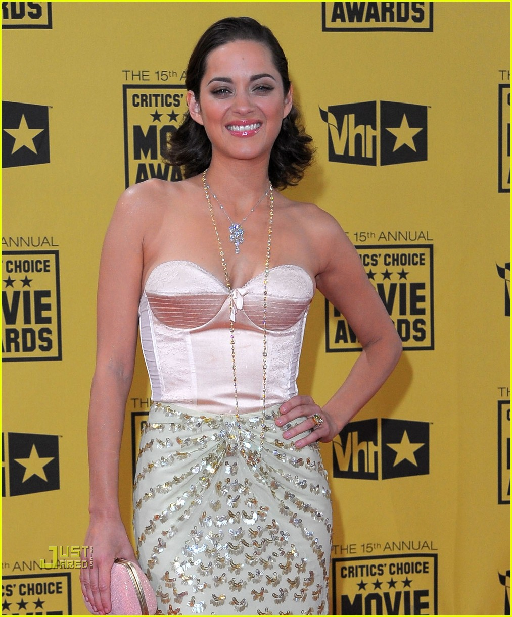 marion cotillard critics choice awards 2010 02