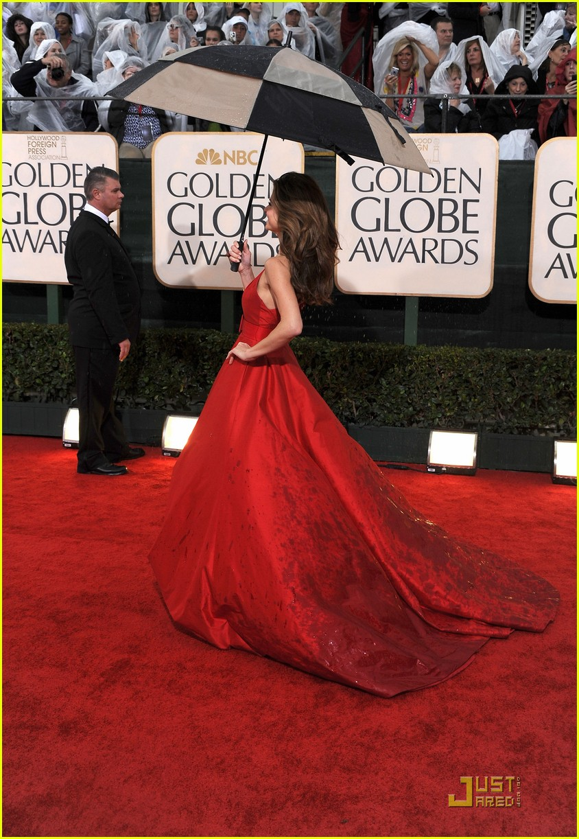 maria menounos golden globes 2010 022409082