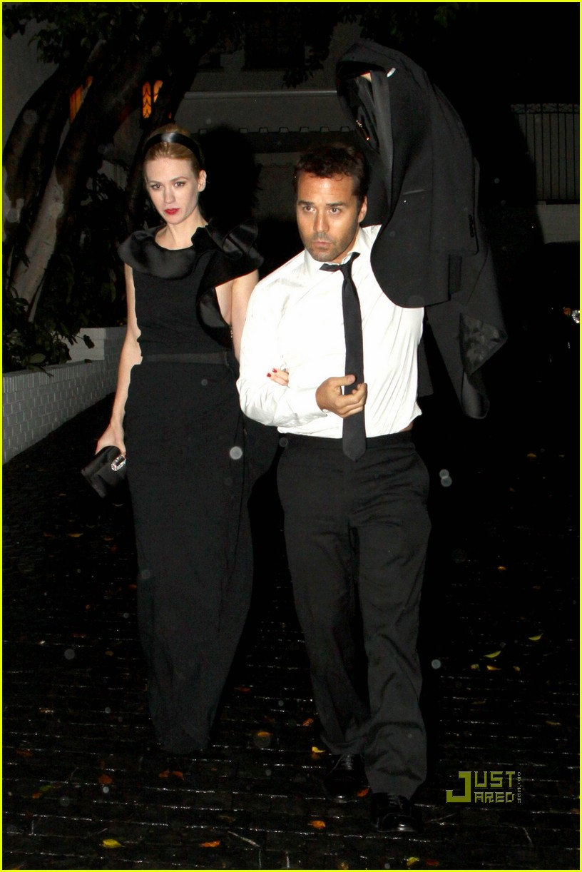jeremy piven january jones after 2010 golden globes arm in arm 012410063