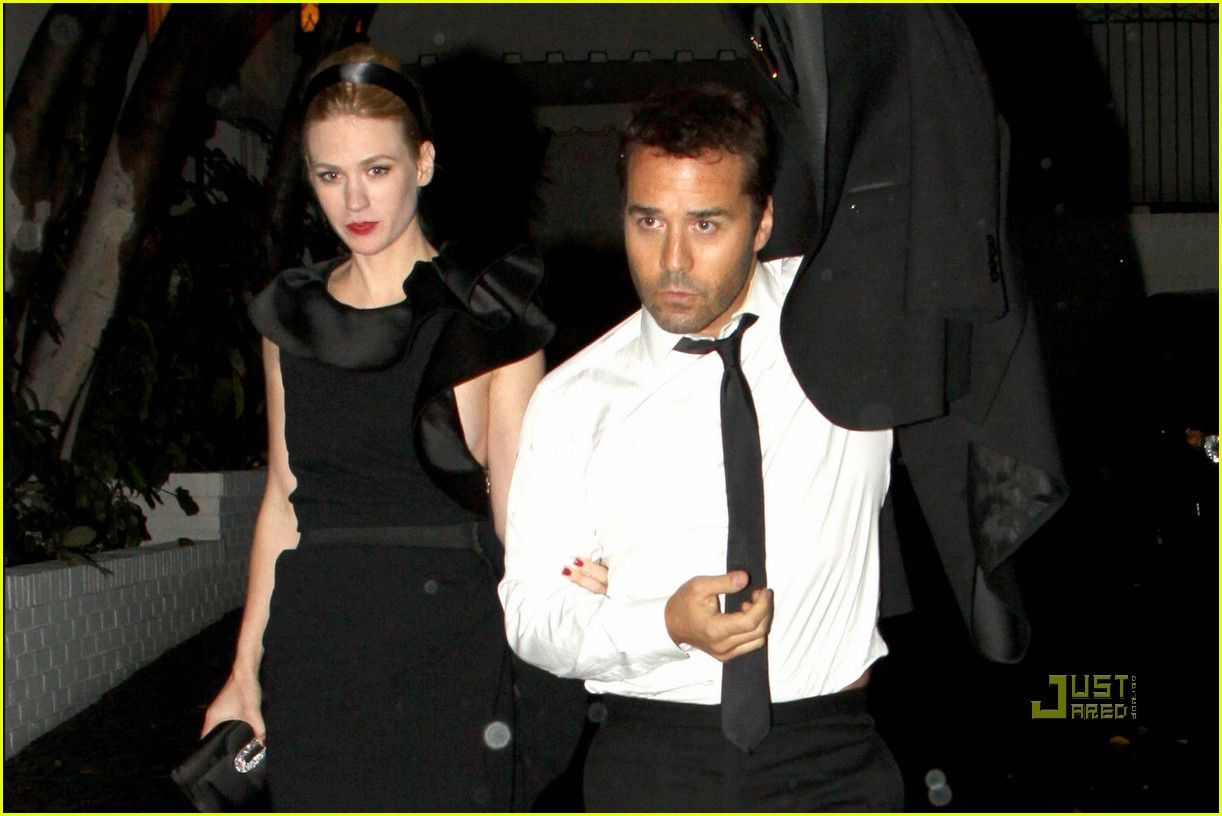 jeremy piven january jones after 2010 golden globes arm in arm 022410064