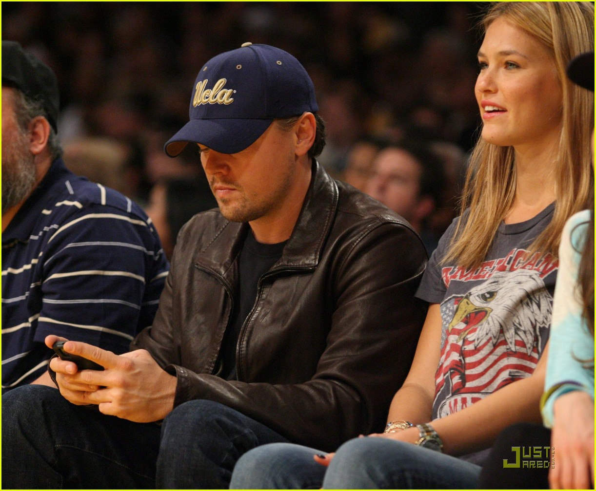 leonardo dicaprio bar refaeli lakers lovers 042410196