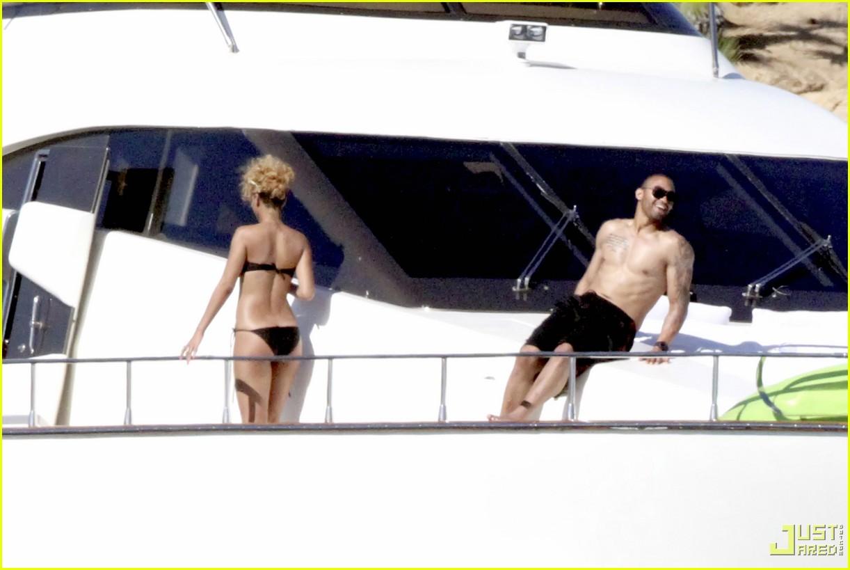 rihanna matt kemp shirtless bikini mexico boat 02