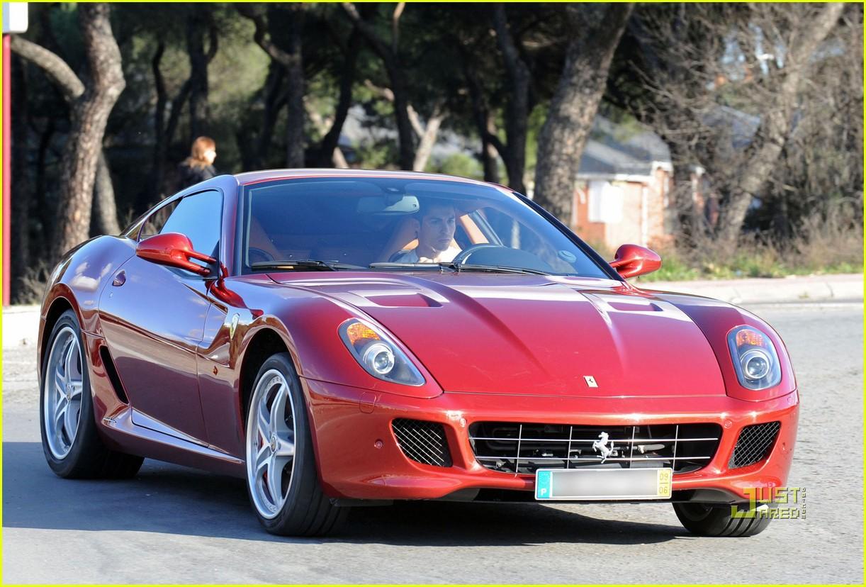 Full Sized Photo Of Cristiano Ronaldo Lunch Ferrari 01