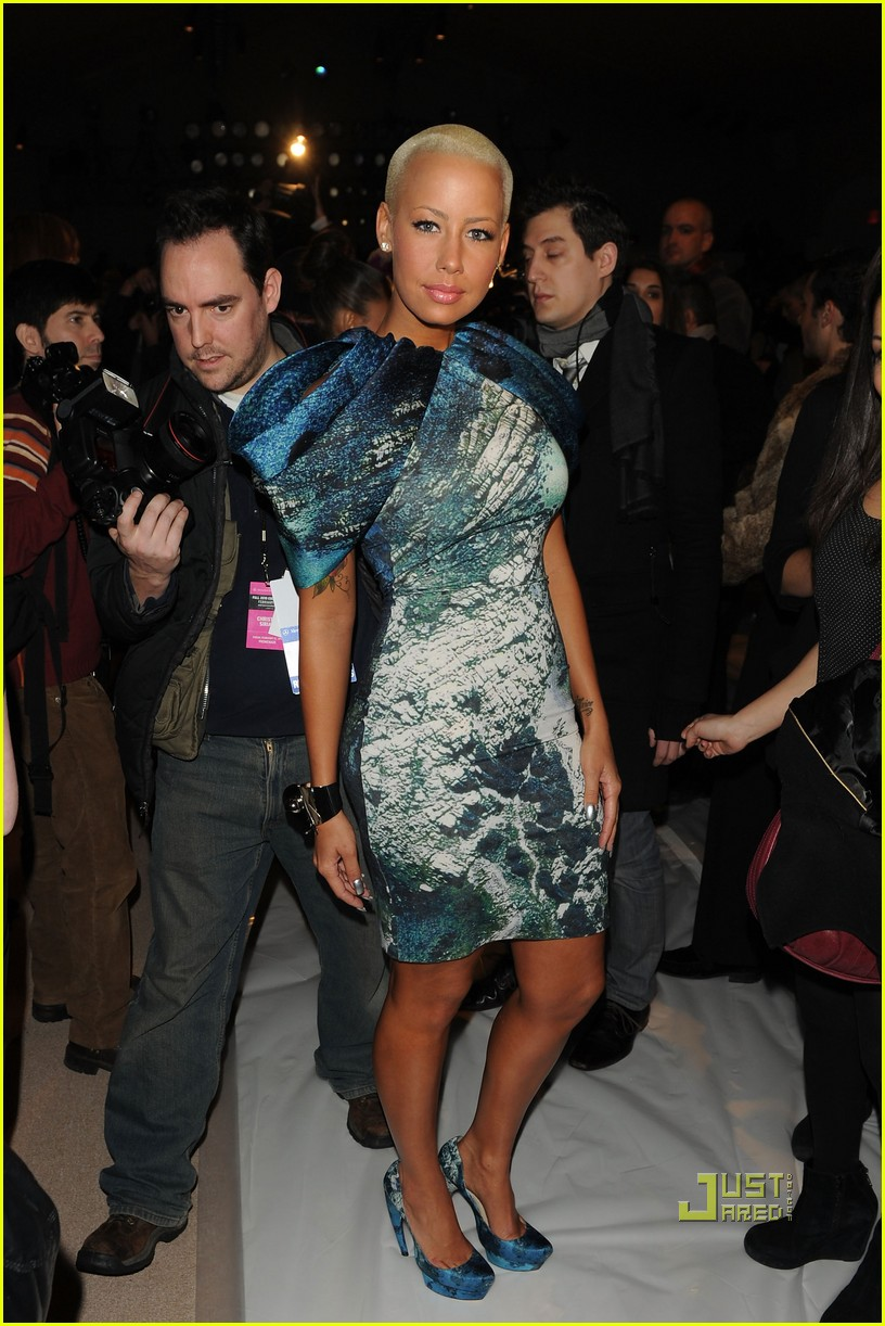 amber rose christian siriano new york fashion week 08
