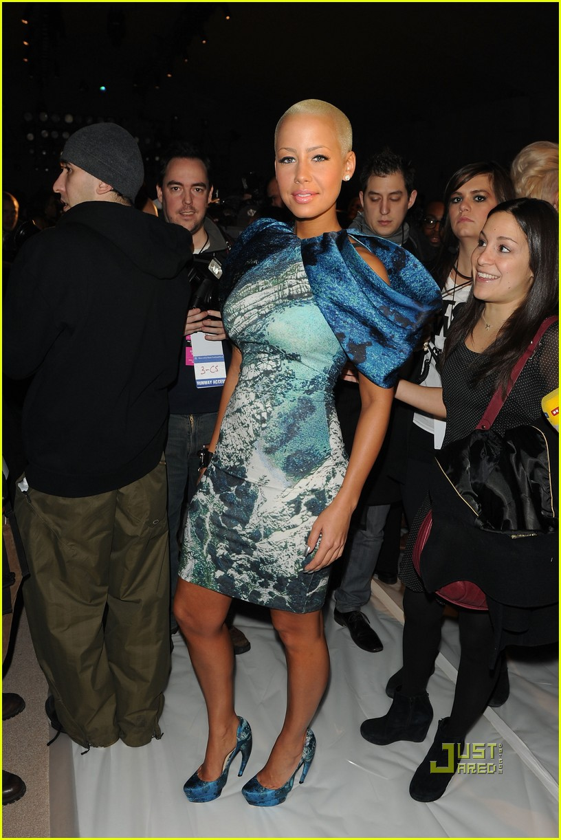 amber rose christian siriano new york fashion week 11