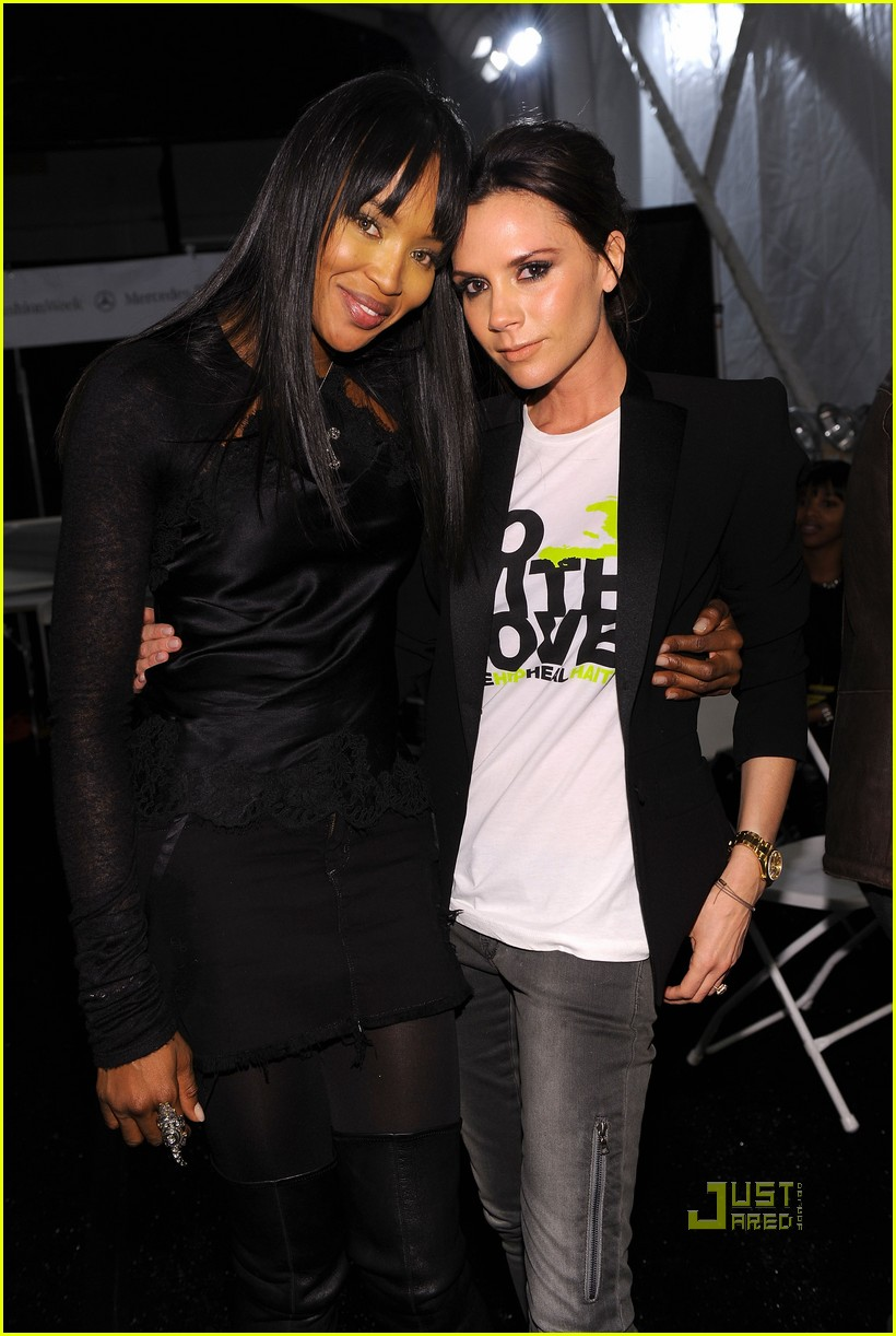 victoria beckham naomi campbell fashion week 02