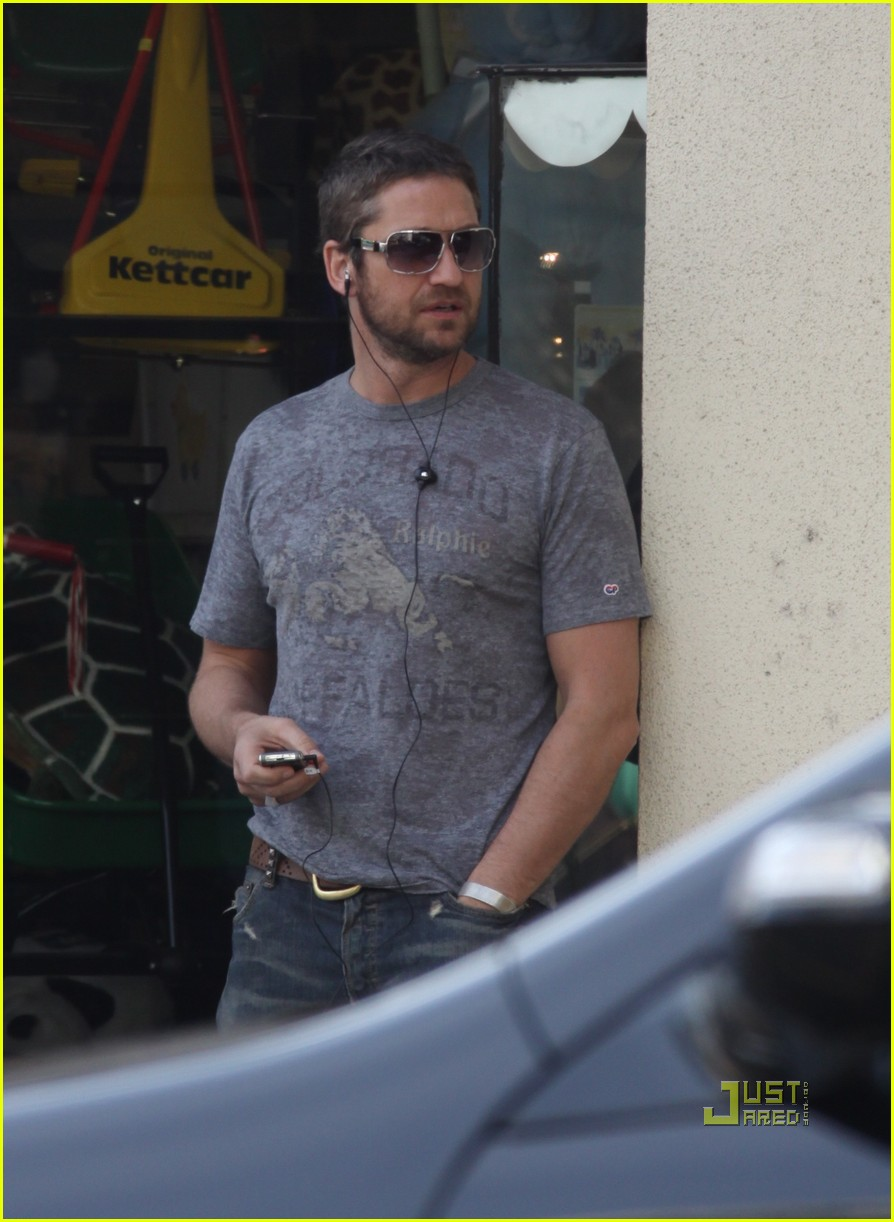 gerard butler beverly hills headset 10