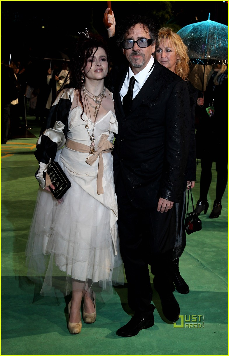 johnny depp anne hathaway alice in wonderland world premiere 03