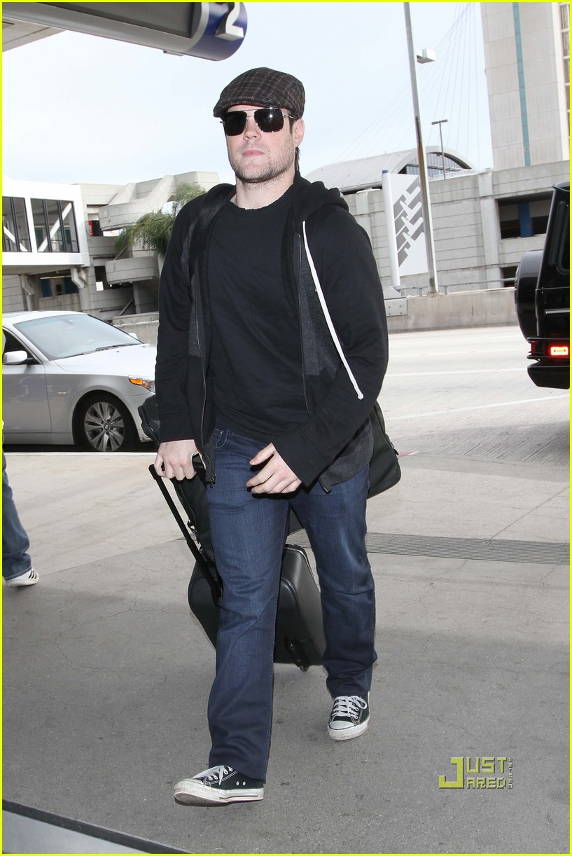hilary duff mike comrie drop off 03
