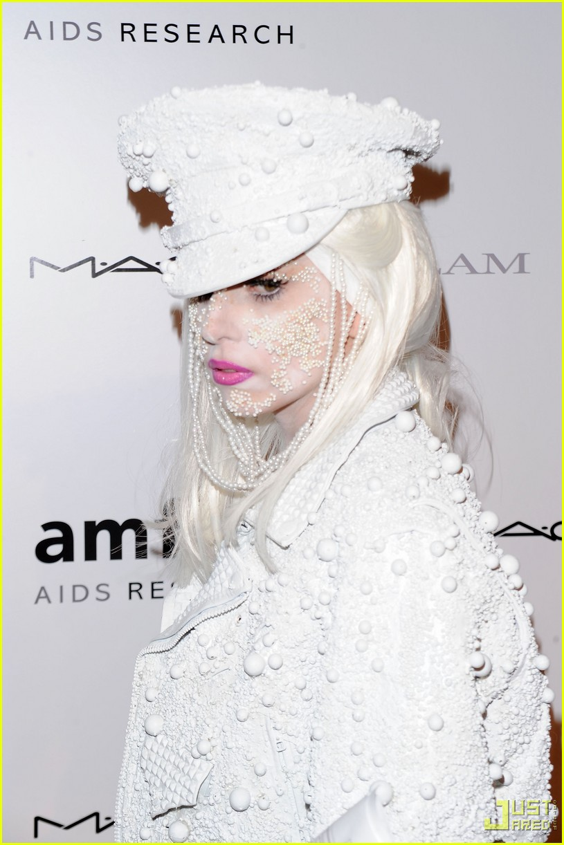 lady gaga amfar new york gala 01