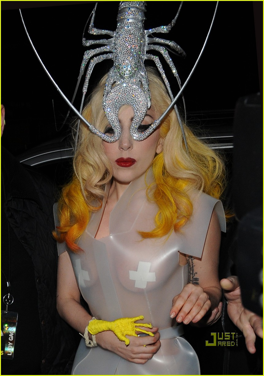 lady gaga lobster head 18