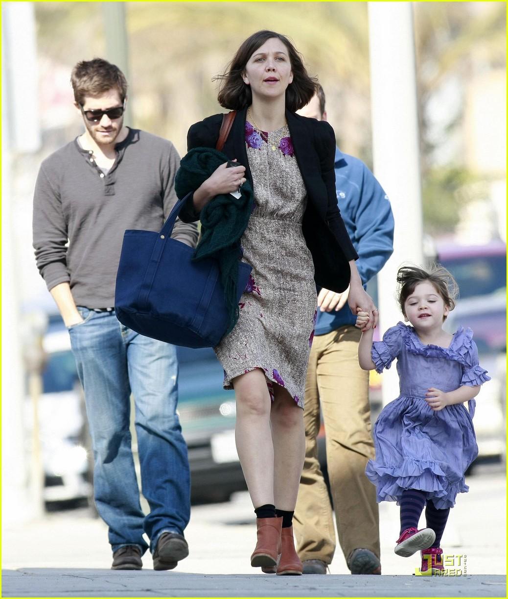 jake gyllenhaal ammo maggie gyllenhaal 10Jake Gyllenhaal And Maggie Gyllenhaal Kiss