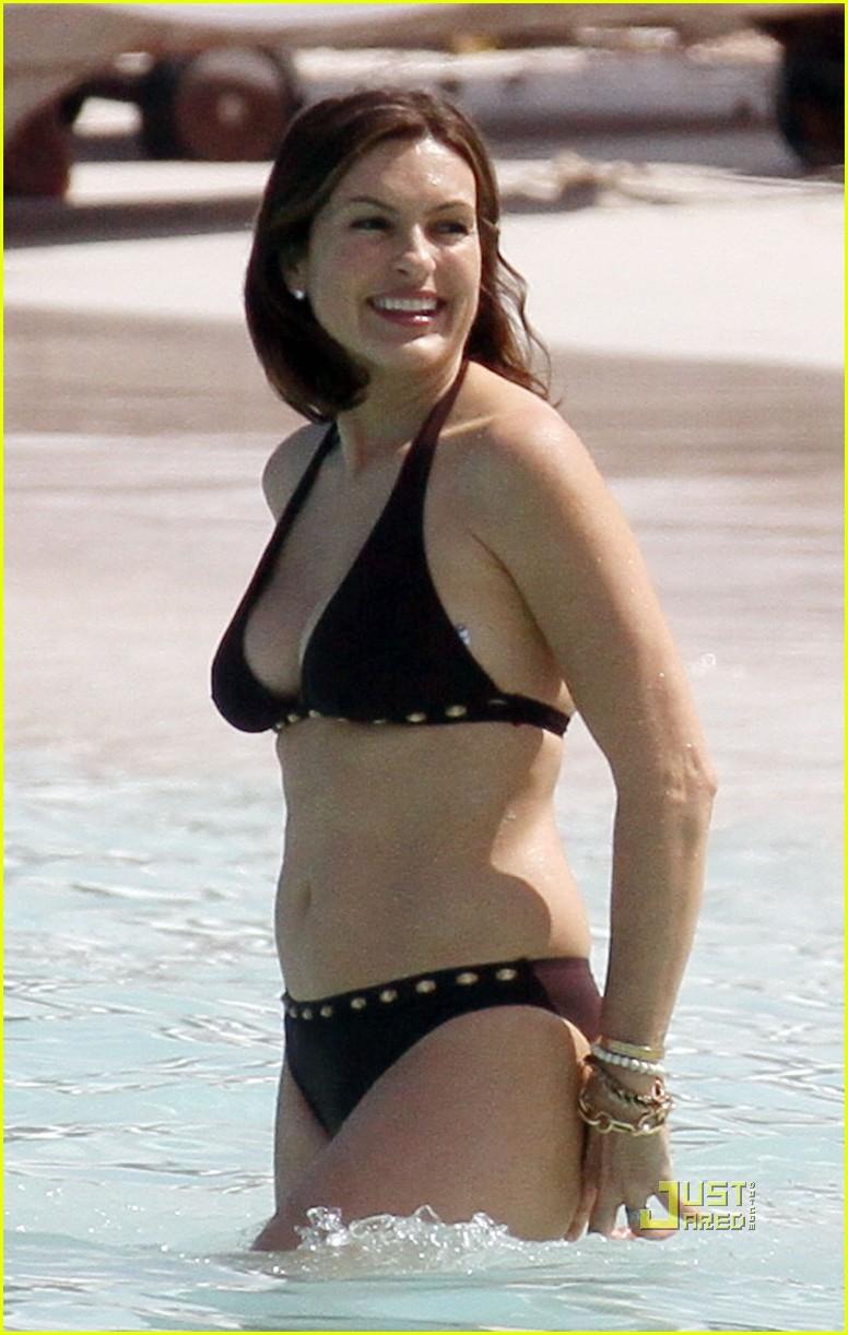Mariska Hargitay Bikini In St Bart S Photo 2428161