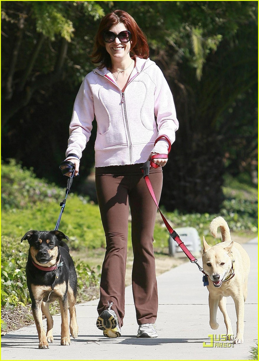 kate walsh dotes on her dogs 08