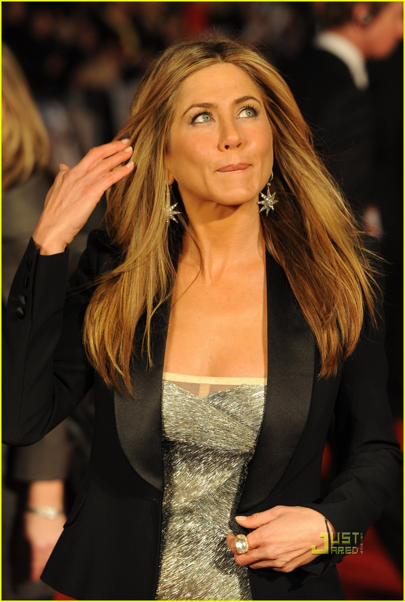 jennifer aniston bounty hunter uk premiere 17