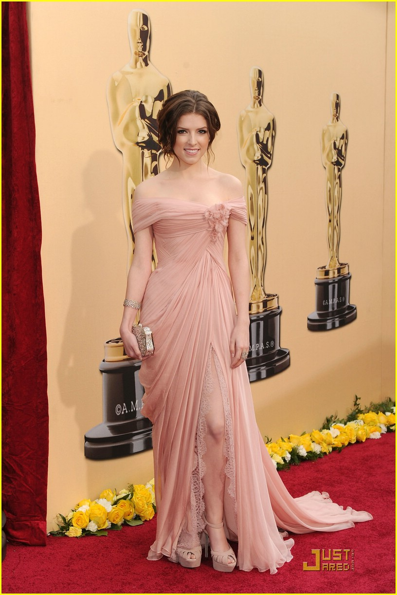 anna kendrick 2010 oscars 04