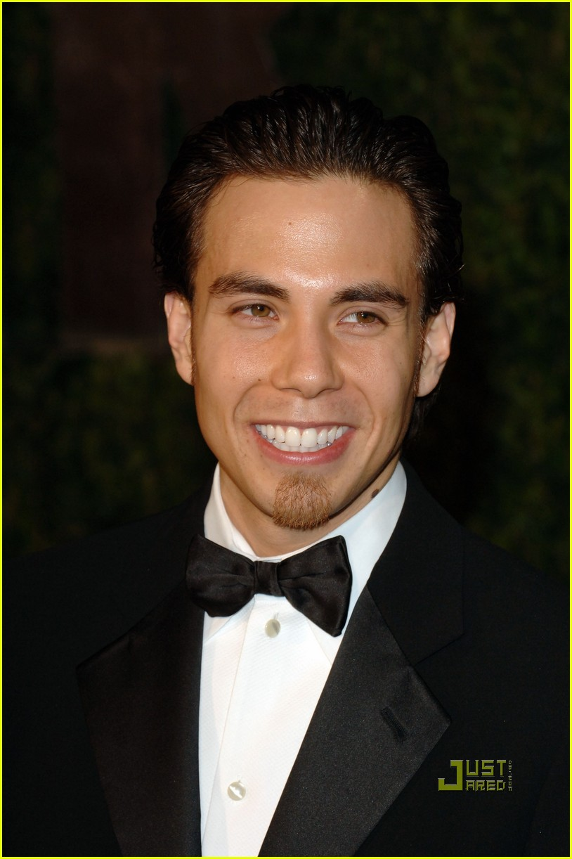 apolo ohno elton john oscar viewing party 06