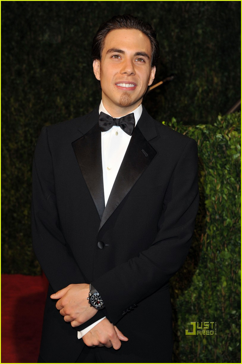 apolo ohno elton john oscar viewing party 08