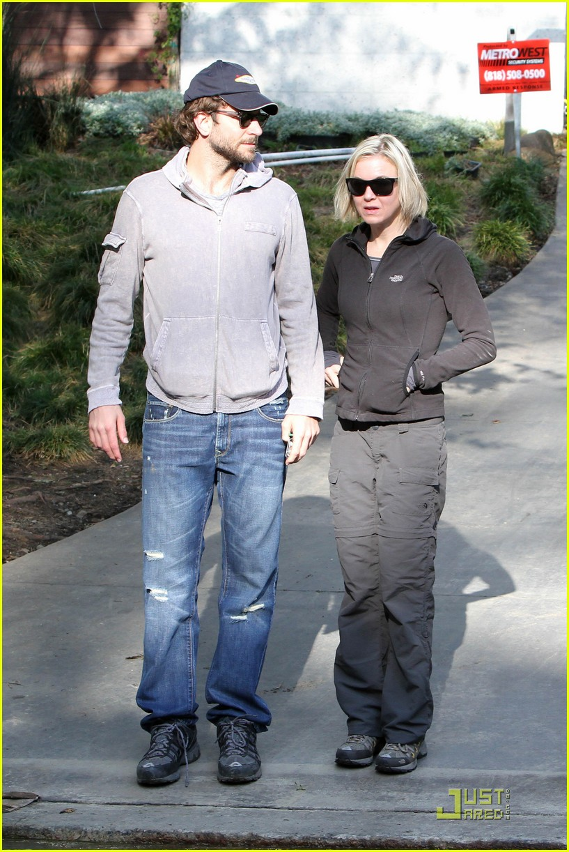 bradley cooper renee progress pair 04