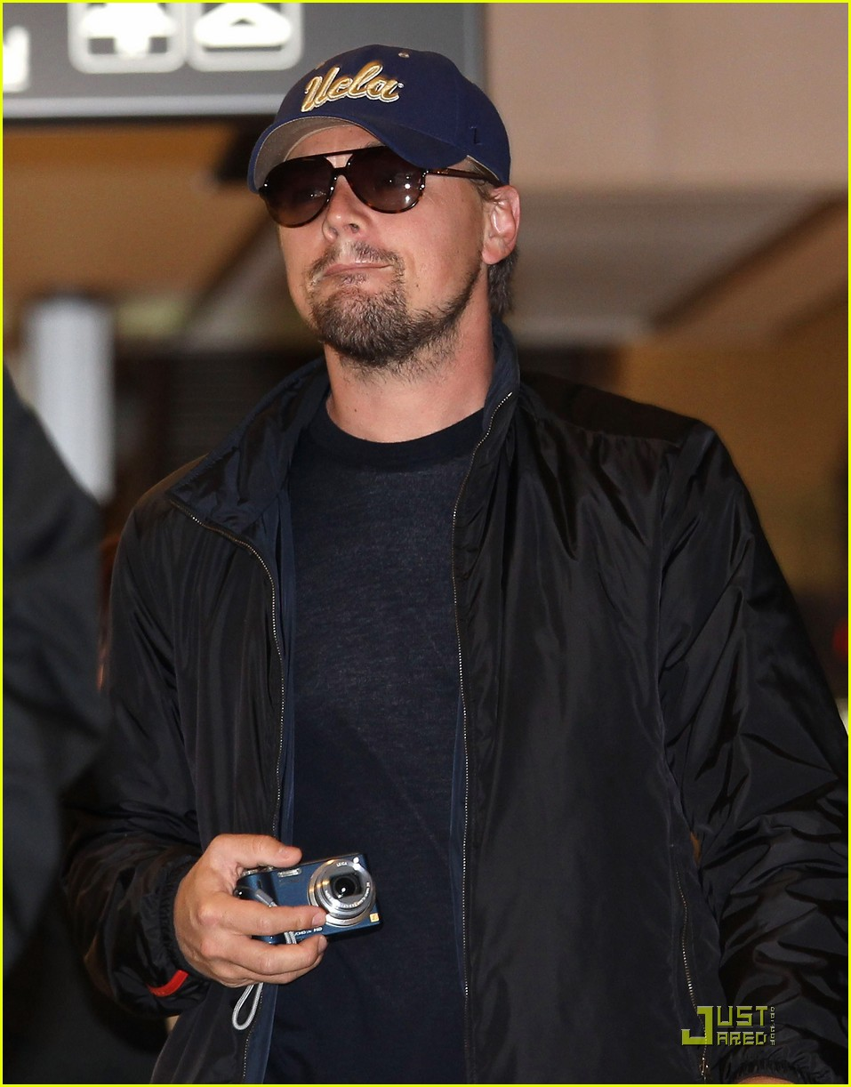 leonardo dicaprio is new to narita 03