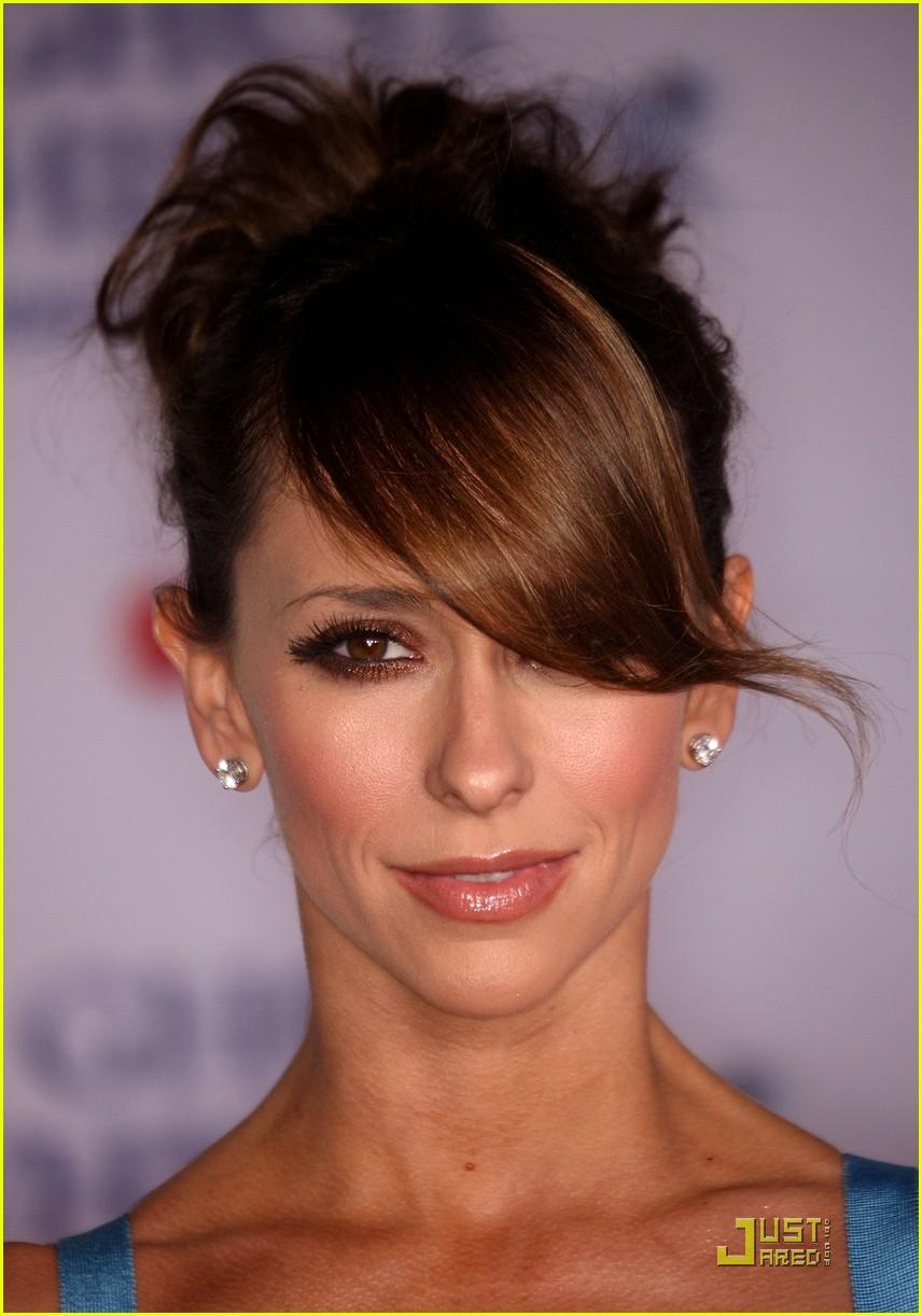 jennifer love hewitt ghost whisperer 100th episode celebration 01
