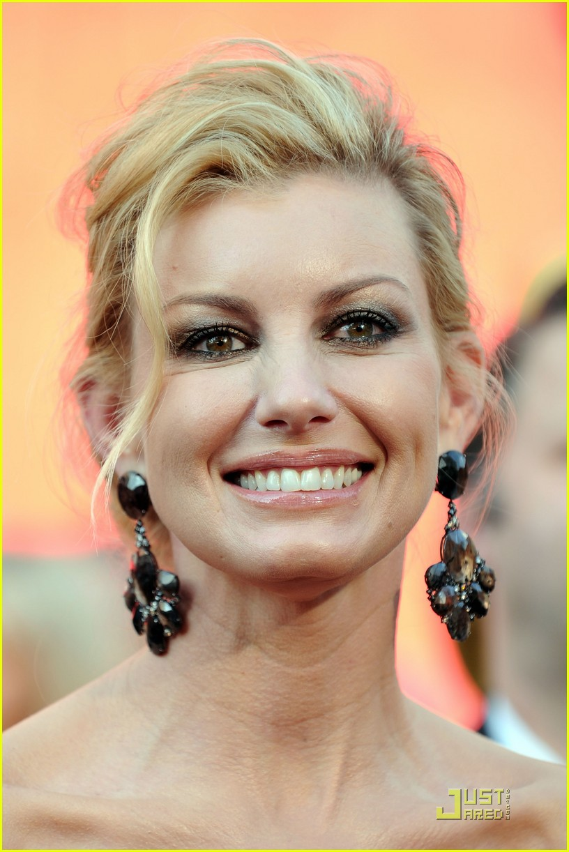 faith hill oscars easy sexy 26