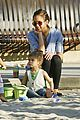 jessica alba honor warren play at the park 08