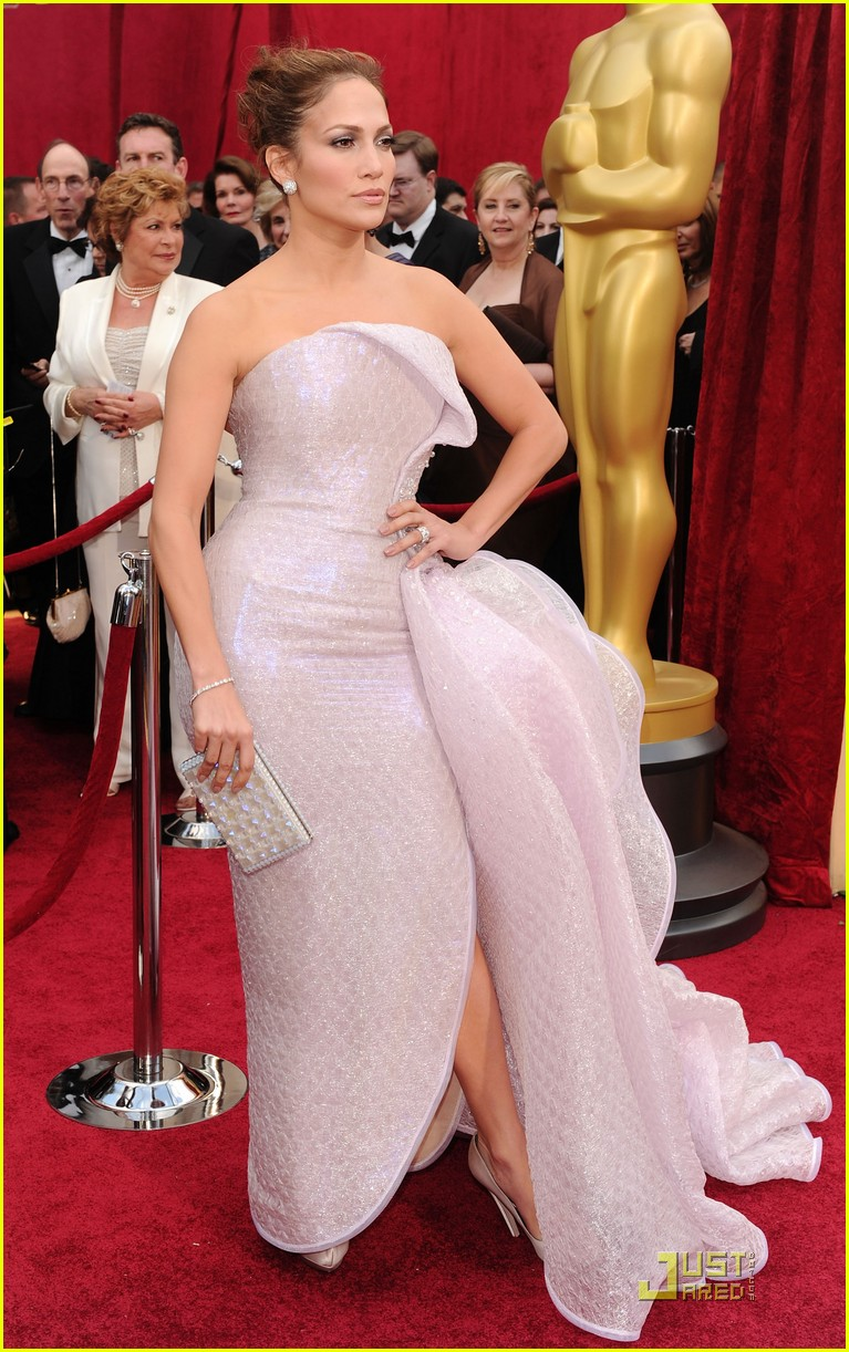 jennifer lopez oscars 2010 red carpet 062432834