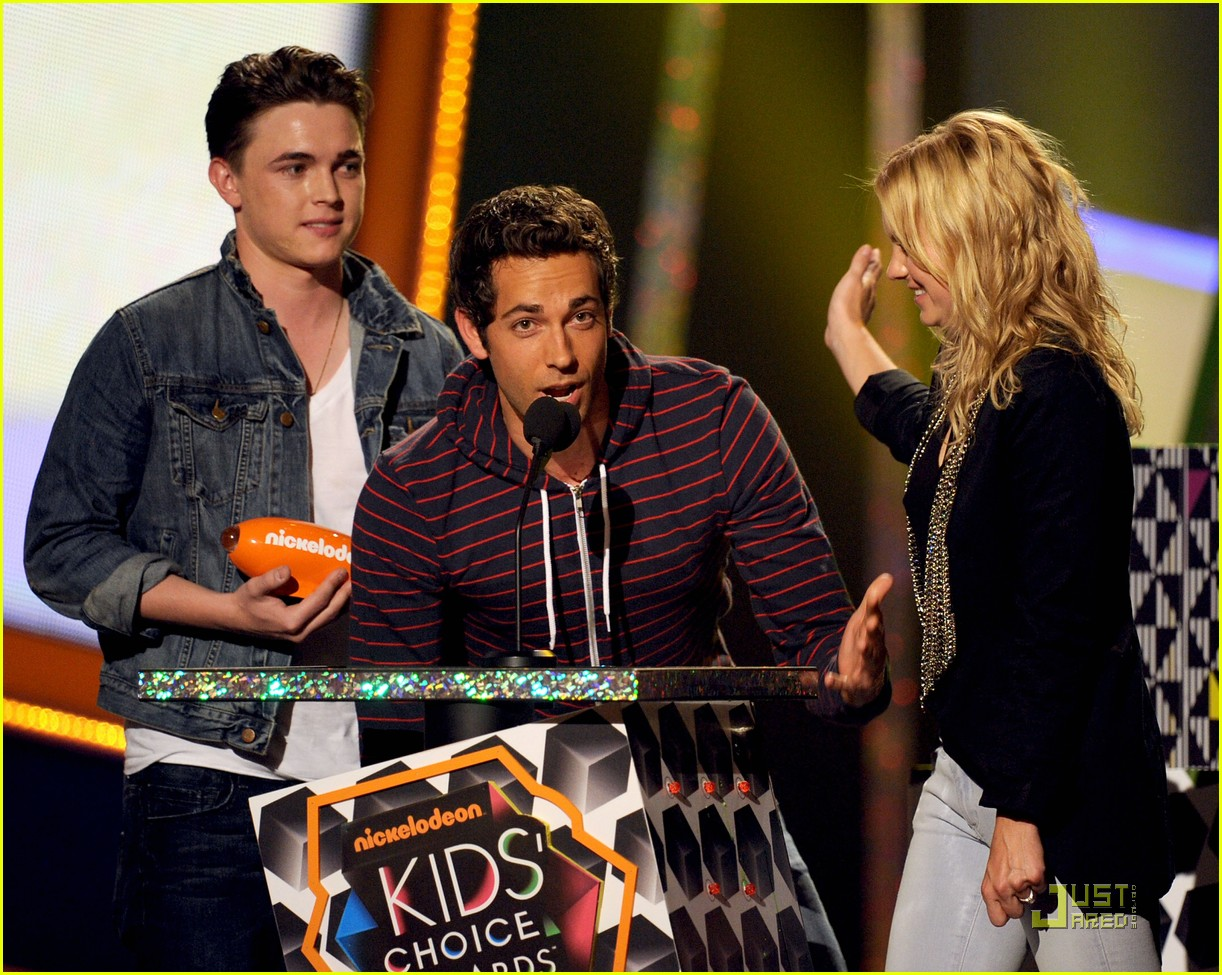 jesse mccartney 2010 kids choice awards 01