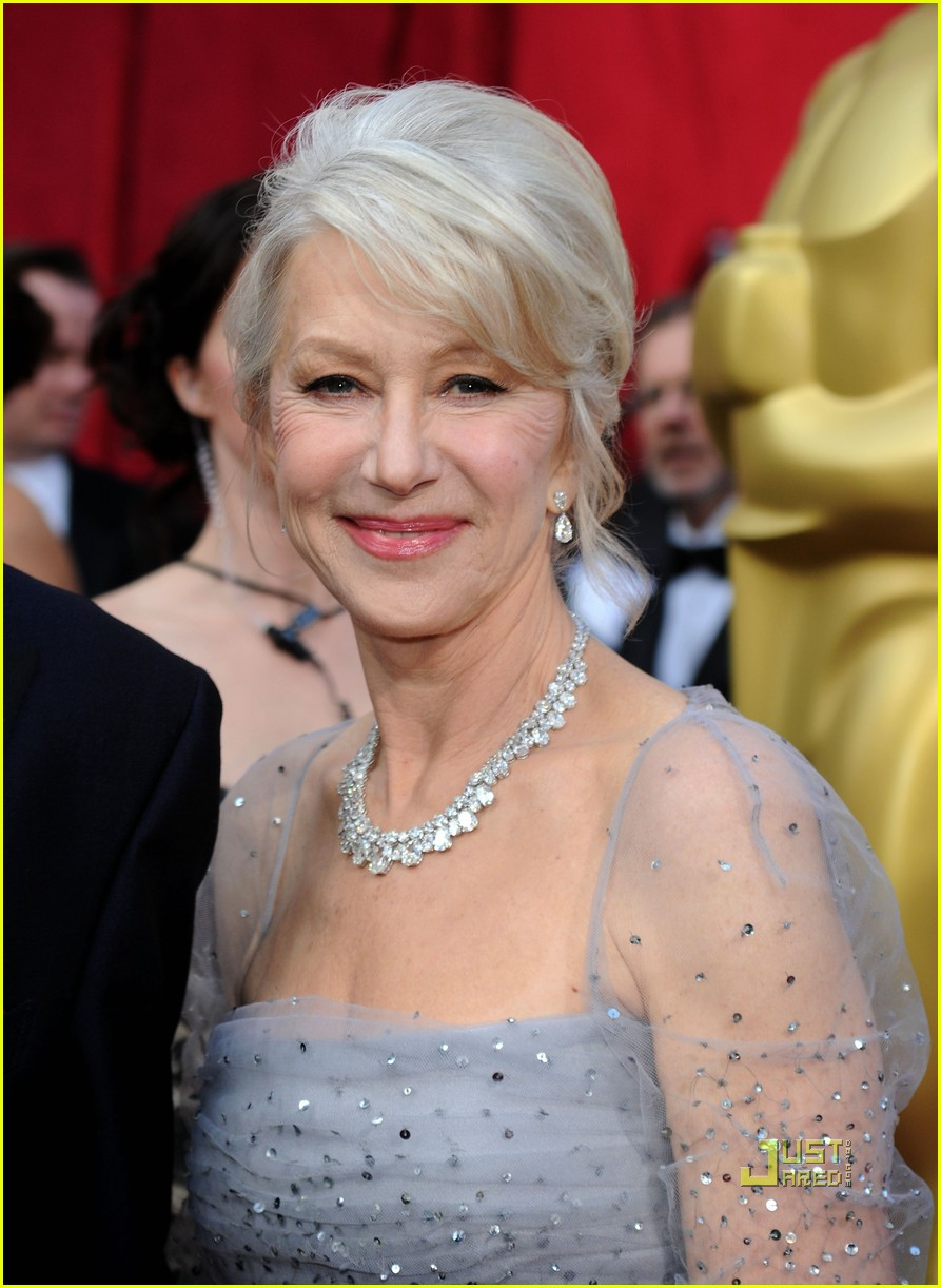 helen mirren 2010 oscars red carpet 03