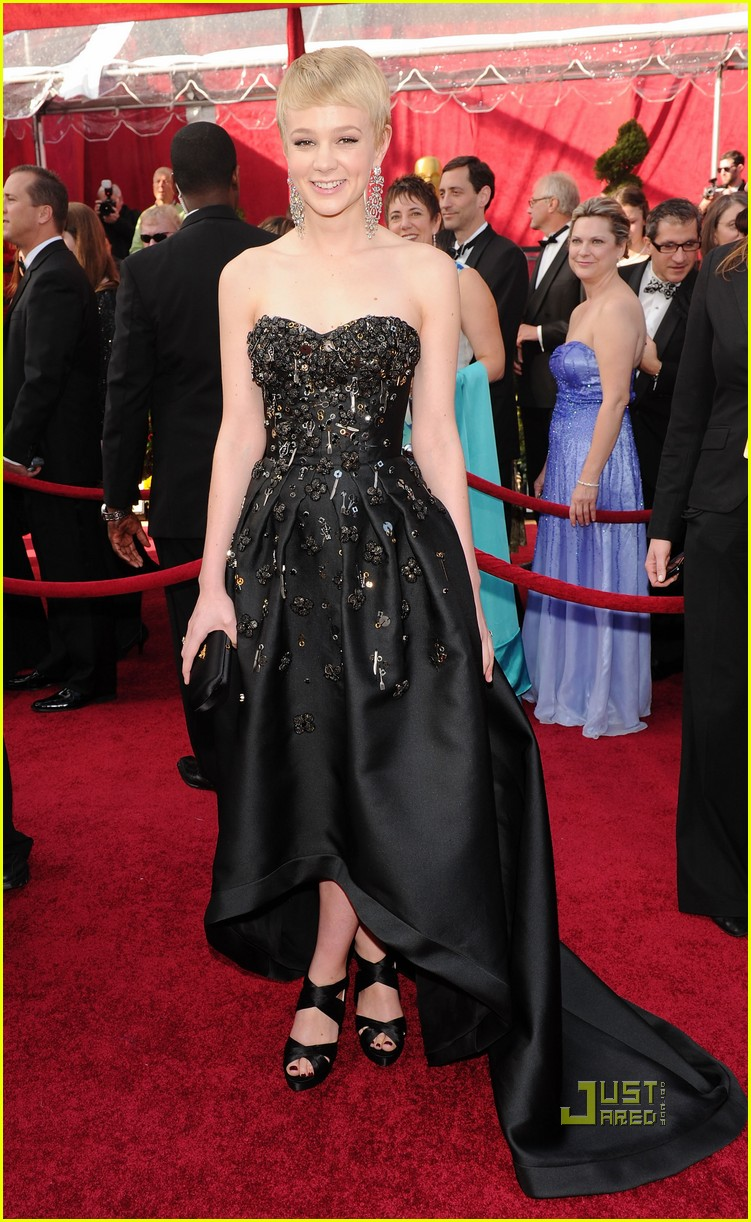 carey mulligan 2010 oscars red carpet 01