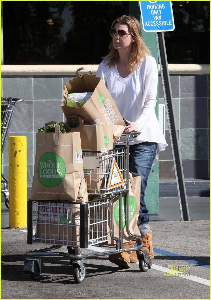 ellen pompeo book soup whole foods 10