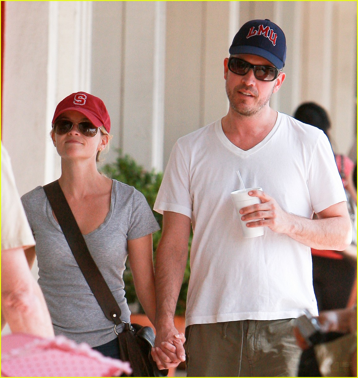 reese witherspoon jim toth holding hands 16