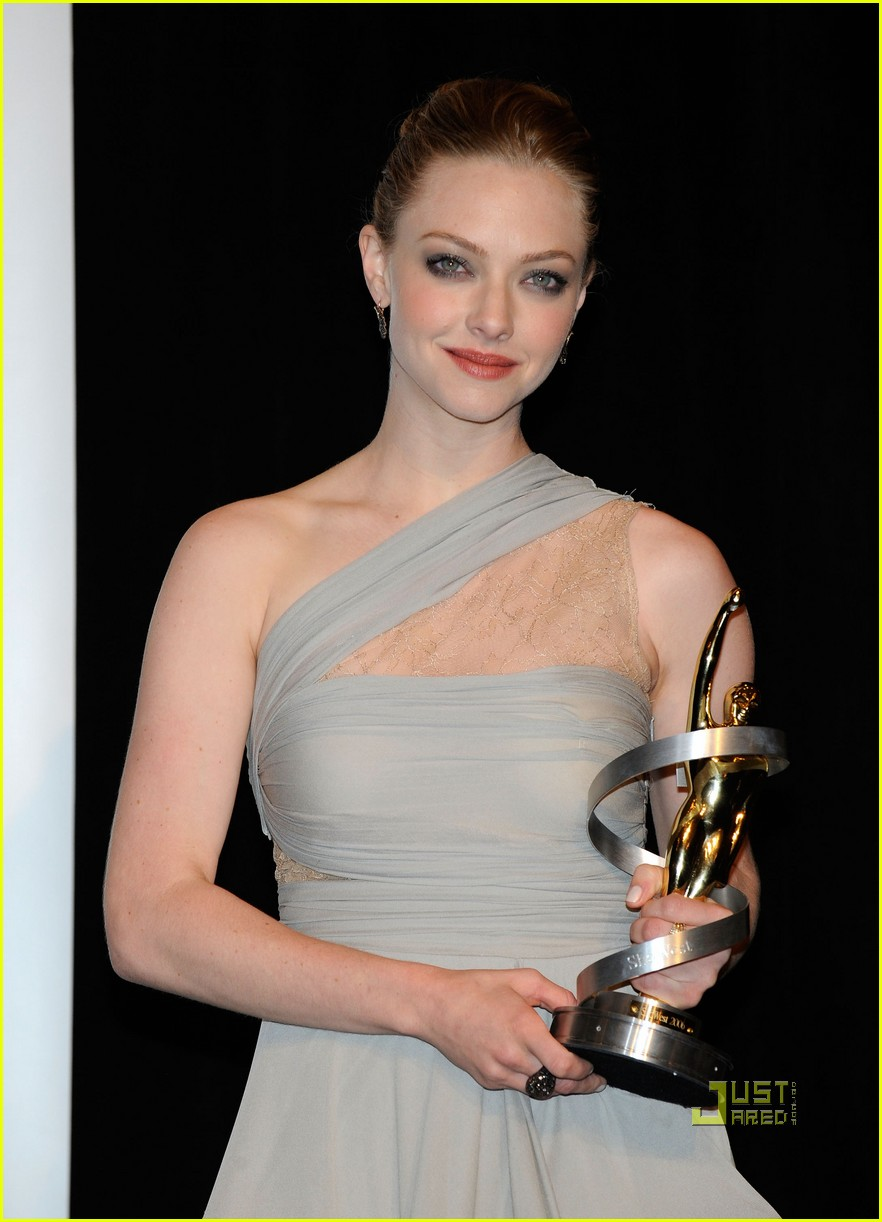 amanda seyfried showest breakthrough female star of the year 10