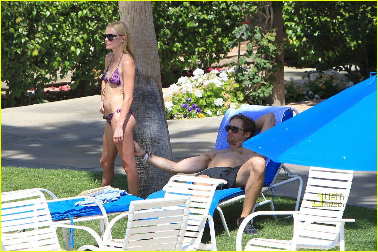 kate bosworth alexander skarsgard poolside pda 082444080