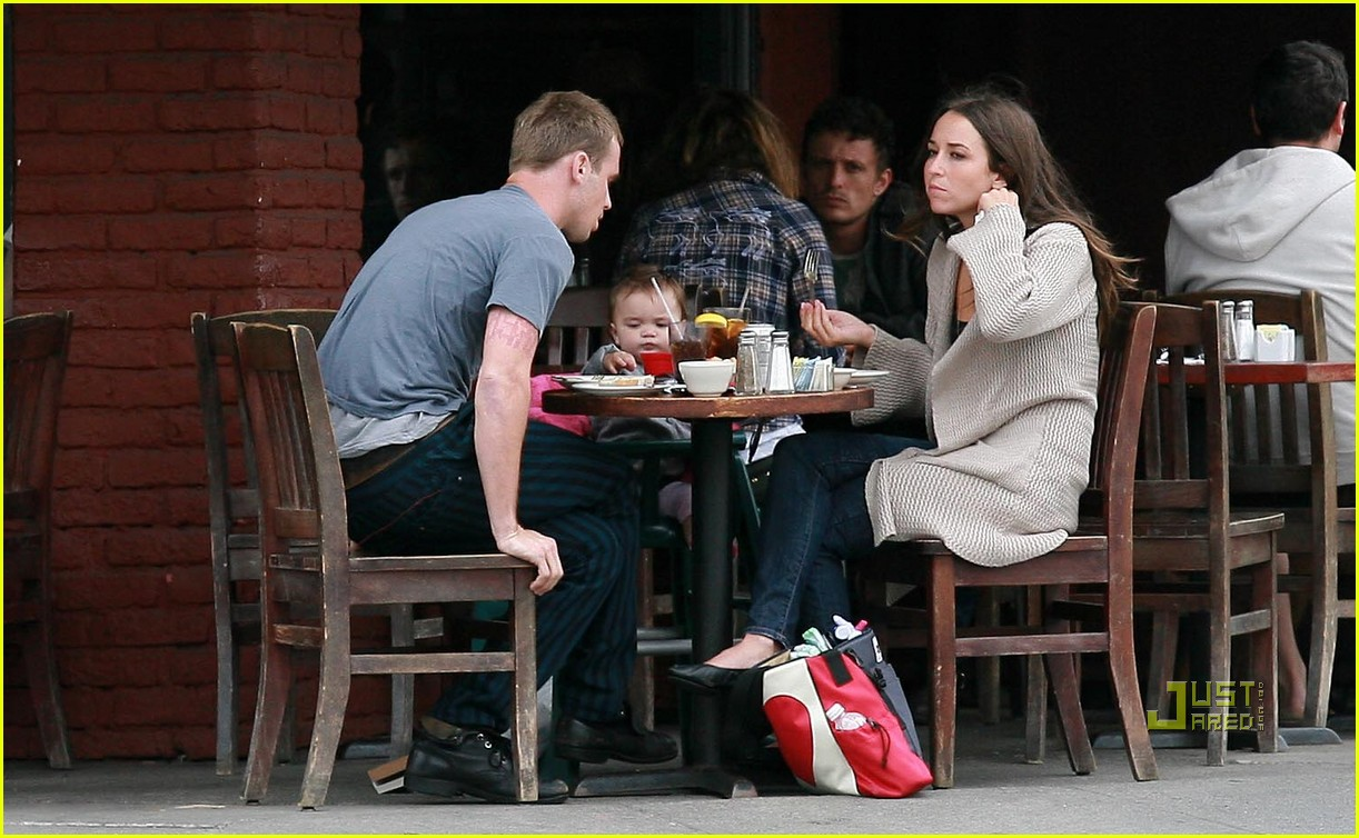 cam gigandet dominique geisendorff everleigh kings road cafe 01