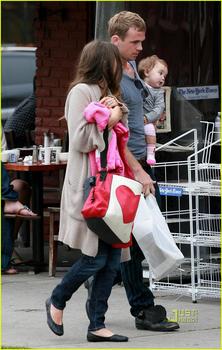 cam gigandet dominique geisendorff everleigh kings road cafe 09