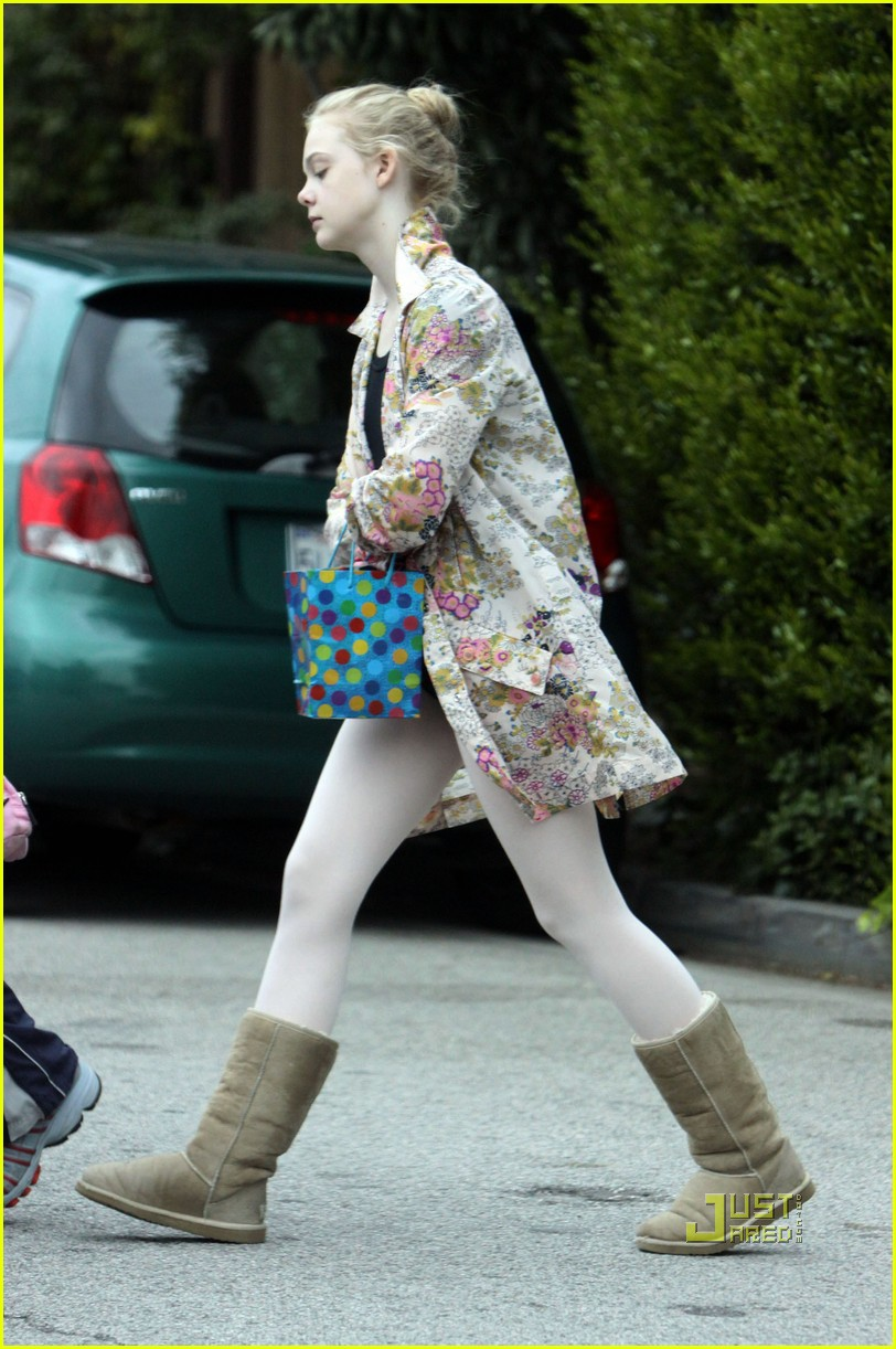 elle fanning ballet class belated birthday 012441578