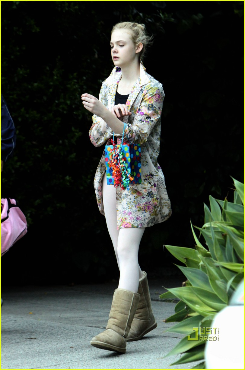 elle fanning ballet class belated birthday 082441585