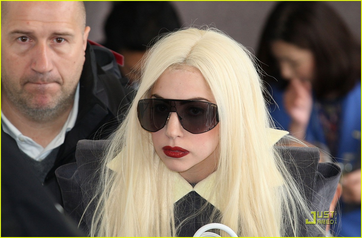 lady gaga is new to narita 28